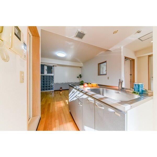 ジラールペルゴ 303号室のキッチン
