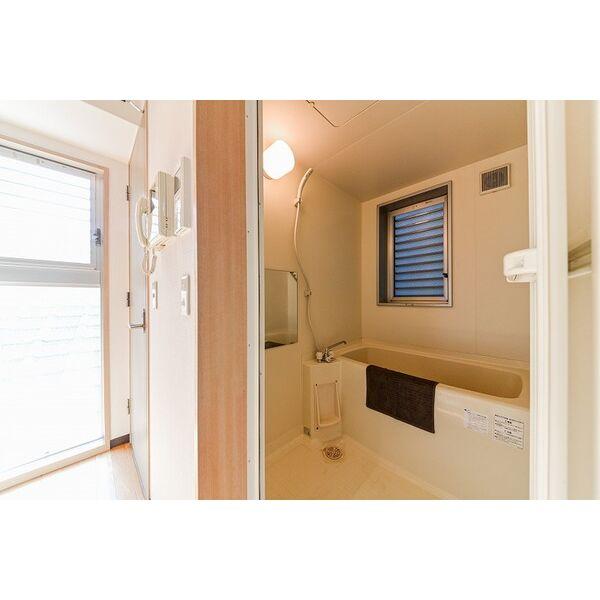 ジラールペルゴ 303号室の風呂