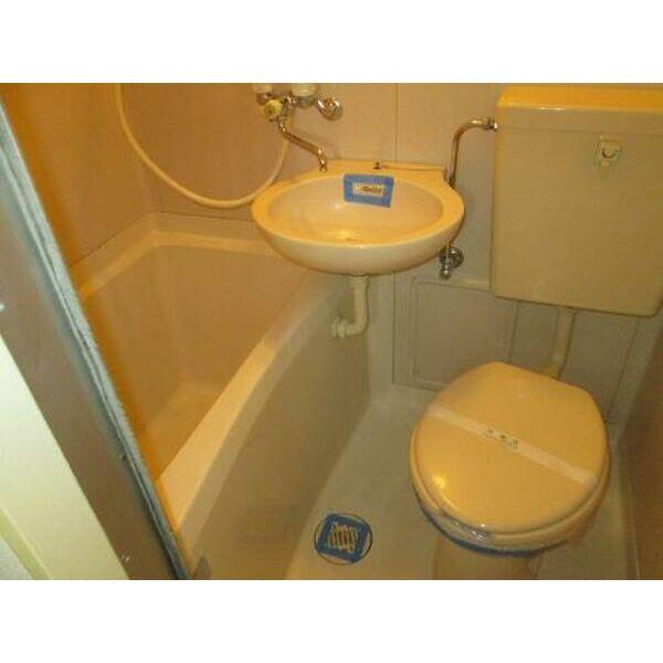 プレアール吹田泉町Ⅱ 102号室のトイレ