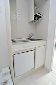 ポンデロッサ学芸大学 0101号室のキッチン