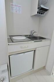 ポンデロッサ学芸大学 0102号室のキッチン