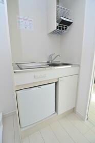 ポンデロッサ学芸大学 0203号室のキッチン
