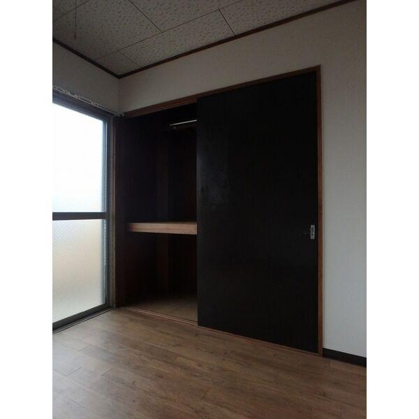 フローラハイツ 501号室の収納