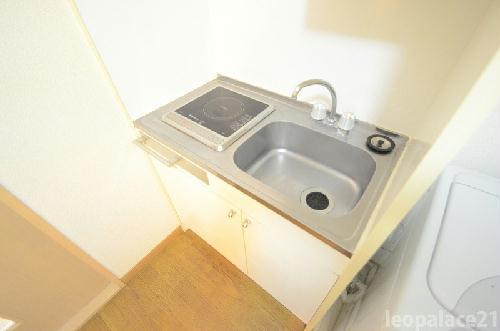 レオパレス三苫セブン 202号室のキッチン