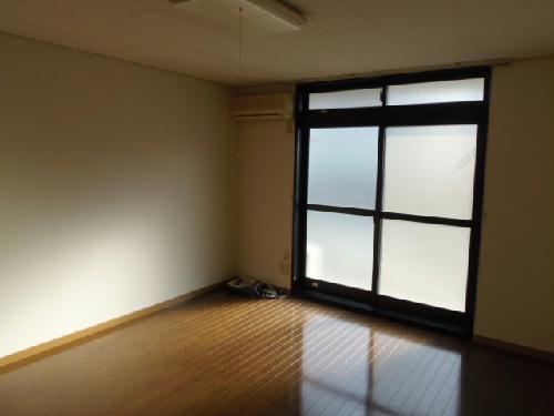 レオパレス中川216 305号室のリビング