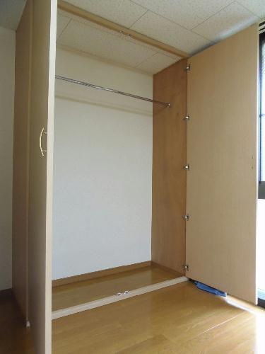 レオパレスオーシャン 101号室の収納