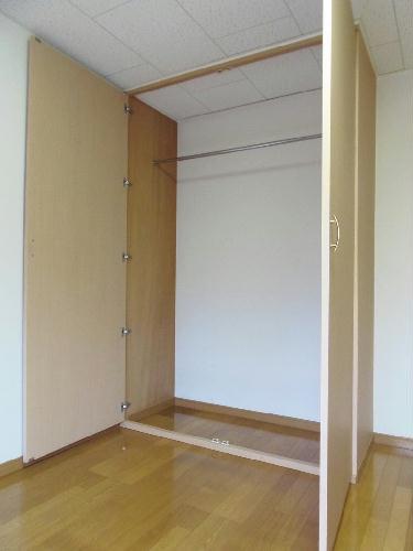 レオパレスオーシャン 207号室の収納