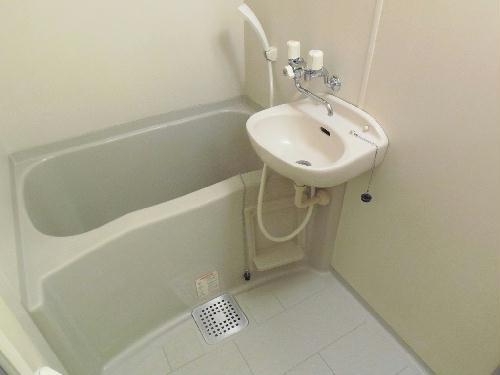 レオパレスオーシャン 207号室の風呂
