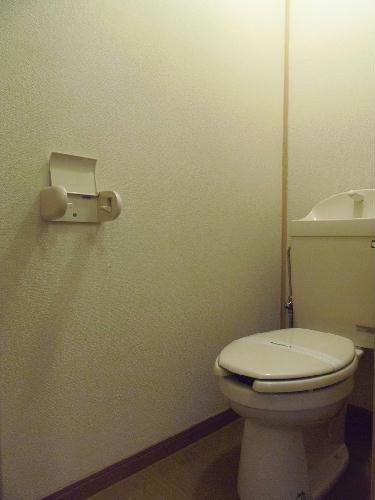 レオパレスノボル 106号室のトイレ