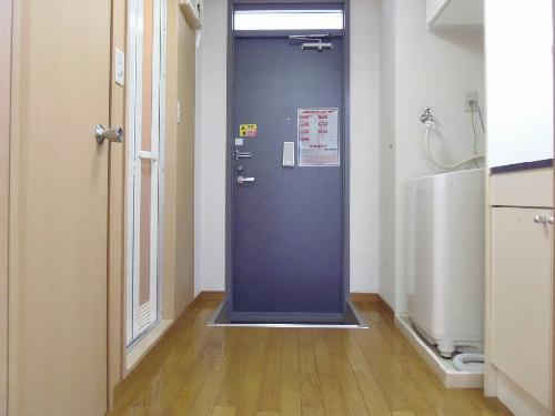 レオパレスノボル 106号室の玄関