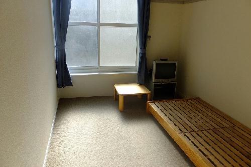 レオパレス豊 213号室のリビング