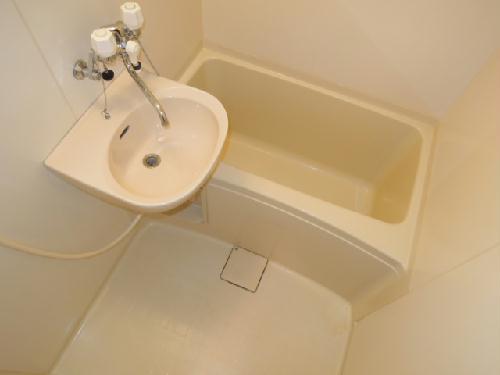 レオパレスせいわ 201号室の風呂