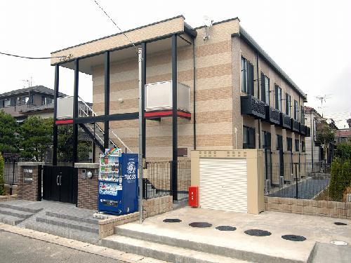 レオパレスアルカディアン 201号室の外観