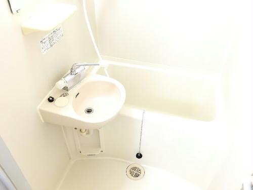 レオパレス赤坂 201号室のトイレ