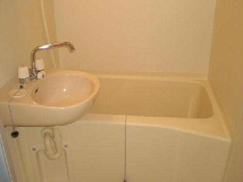 レオパレスゴールドクレスト 102号室の風呂