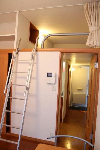 レオパレスゴールドクレスト 102号室のリビング