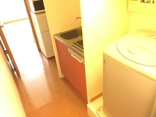 レオパレスキャトル セゾン 205号室のキッチン