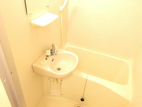 レオパレスキャトル セゾン 205号室の風呂