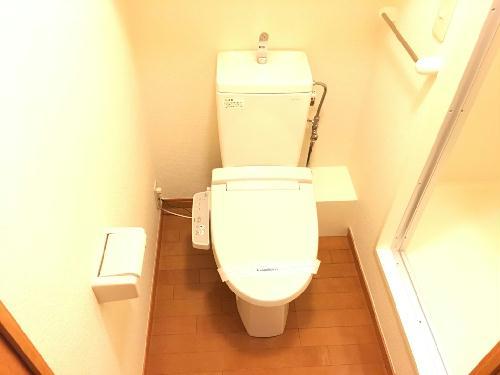 レオパレスキャトル セゾン 205号室のトイレ