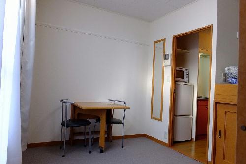 レオパレスα 202号室のリビング