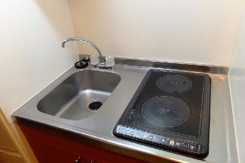 レオパレスα 210号室のキッチン
