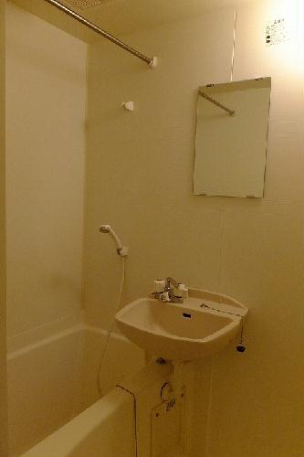 レオパレスα 210号室の風呂