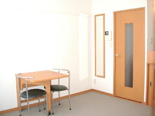 レオパレスeast MOAT 101号室のリビング