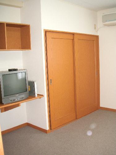 レオパレスeast MOAT 209号室のリビング
