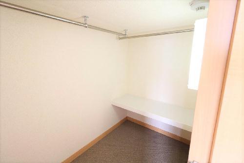 レオパレスエルムトゥプ 201号室の収納