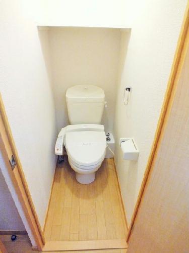 レオパレスエルムトゥプ 207号室のトイレ