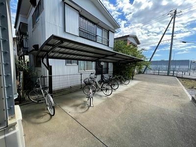 レオパレスエルムトゥプ 305号室のリビング