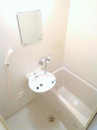 レオパレス梅花 105号室の風呂
