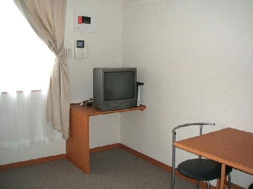 レオパレスレスト ナイキ 204号室のリビング