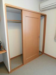レオパレスY S OTSUKA 102号室のリビング