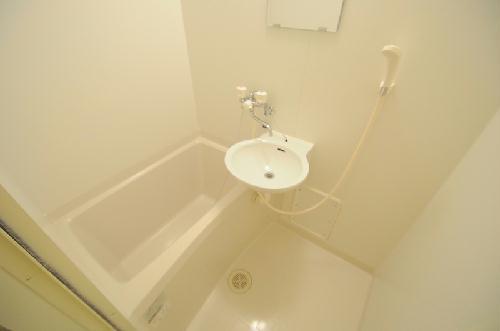 レオパレスゆがふ 207号室の風呂