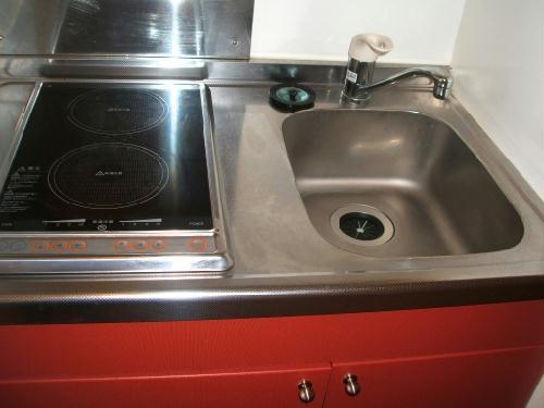 レオパレスYY 206号室のリビング