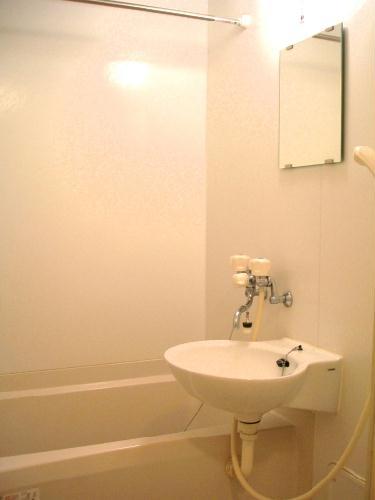 レオパレスYY 206号室のトイレ