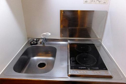 レオパレス谷原 201号室のキッチン