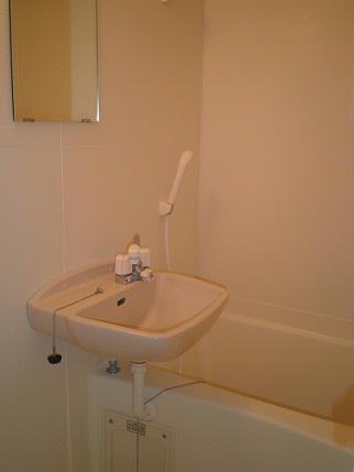 レオパレスセザル 201号室の風呂