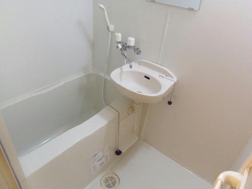 レオパレスユリシーズ本今 311号室の風呂