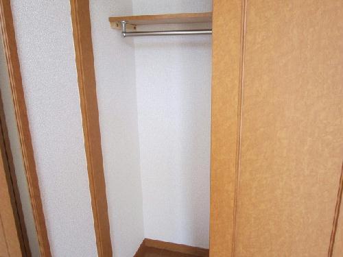 レオパレスエレガンスオキノミヤ 205号室の収納