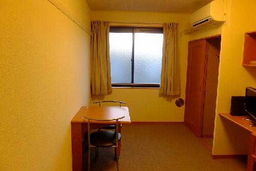 レオパレスwisteria 210号室のリビング