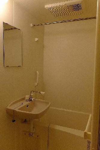 レオパレスウィステリア神田 207号室の風呂