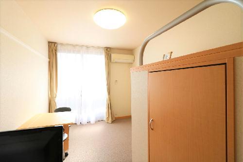 レオパレスCHACO 306号室の収納