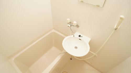 レオパレスインフィニティ本堀 101号室の風呂