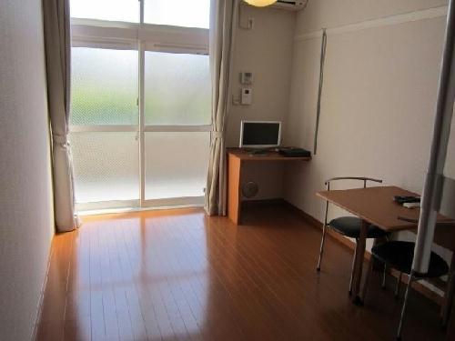 レオパレス篠崎LA1 202号室のリビング