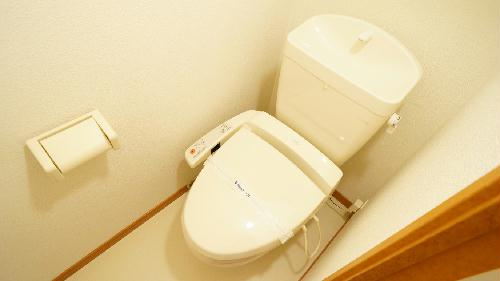 レオパレスソレイユⅡ 215号室のトイレ