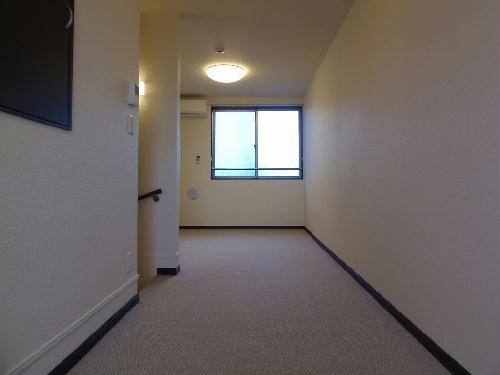 レオネクストゼン 110号室のリビング
