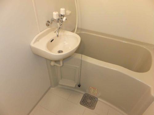 レオパレスシェルター 203号室の風呂