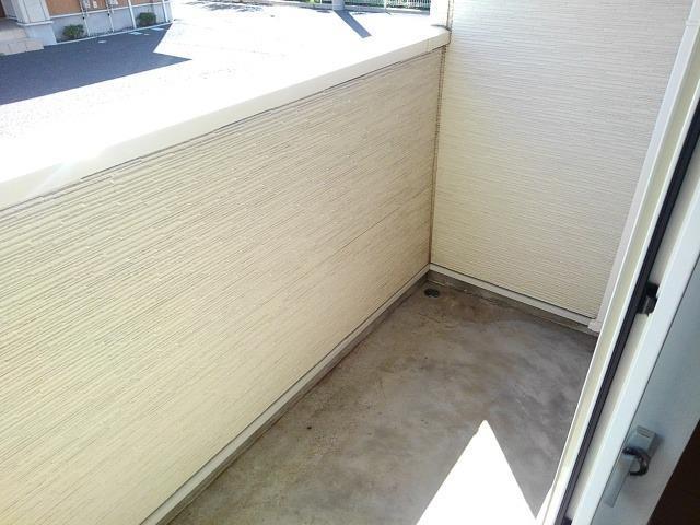 エレガンシアF 01010号室のバルコニー